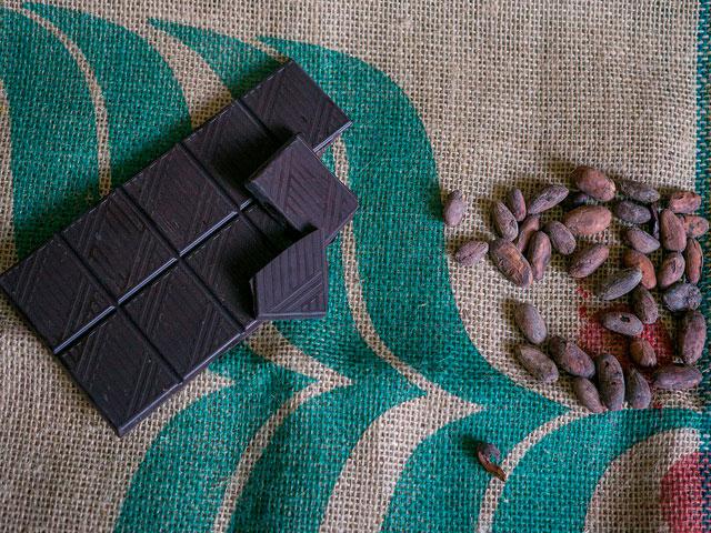 Горький шоколад. Вкусно и полезно!