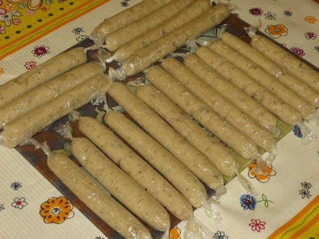 Домашние сосиски из куриной грудки