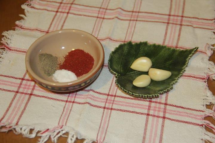Аппетитная колбаска! 2 простых рецепта домашней вареной колбасы из курицы.