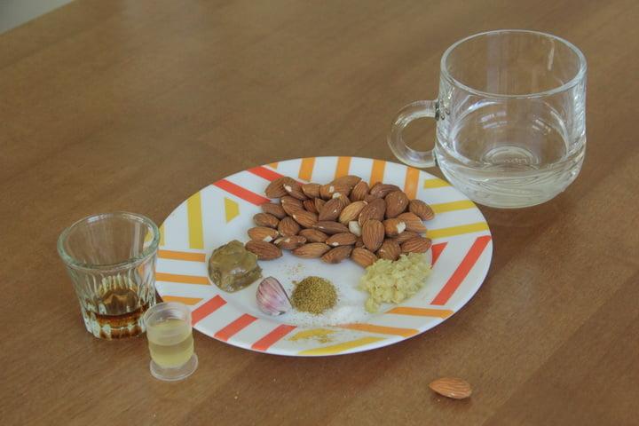 Ореховый соус с миндалем